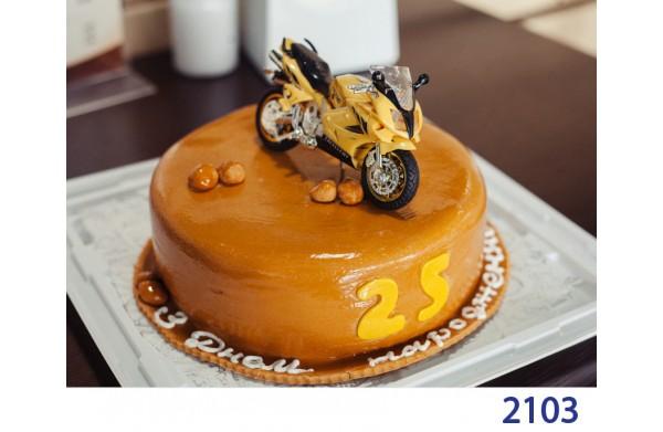 Фото Торт святковий з мотоциклом 2103